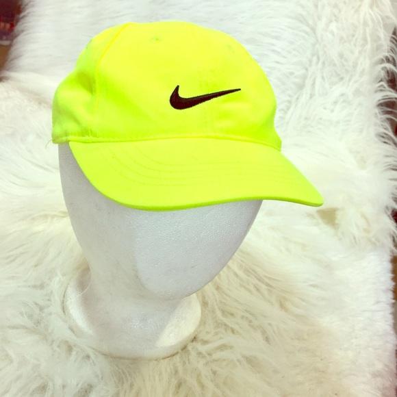 e2774f9377b Kids NIKE hat. Adjustable Velcro! M 5baaa29ac89e1de98e608001